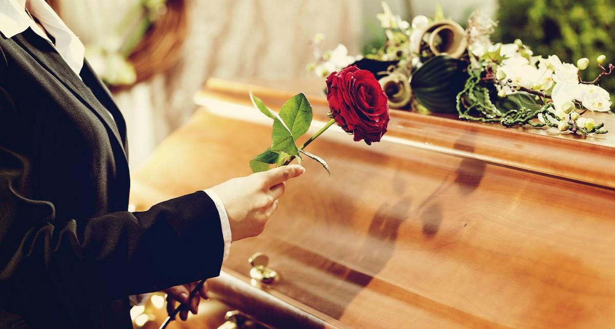 Quelles fleurs offrir pour des funérailles ?